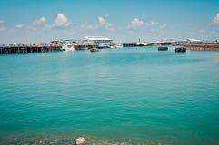As águas azul esverdeado de Darwin Waterfront, Austrália foto de stock royalty free