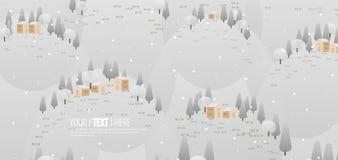 As árvores nevado do fundo da montanha e pouca casa para o Natal ajardinam a vista fotografia de stock
