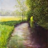 As árvores verde-clara são refletidas na água A paisagem é verão na água nave Banco de rio Paisagem rural Óleo original Imagens de Stock Royalty Free