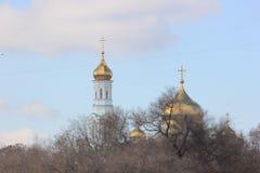 As abóbadas douradas da catedral ortodoxo imagens de stock