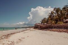 As areias brancas de Uroa encalham, baía de Uroa, Zanzibar imagens de stock royalty free