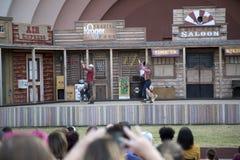 As audiências são atraem pela mostra do animal de estimação em Dallas Fair Park imagens de stock