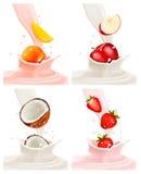 As bandeiras com aterrissagem deliciosa do fruto em um leite espirram Imagens de Stock Royalty Free