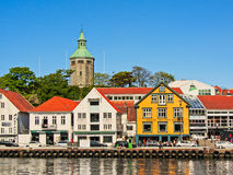 As barras, os restaurantes e Valberg elevam-se no porto de Stavanger Imagens de Stock Royalty Free