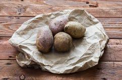 As batatas cruas Imagens de Stock