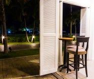 As bebidas encurralam aberto para jardinar Imagens de Stock Royalty Free