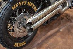 As bicicletas do metal pesado esgotam a tubulação imagens de stock royalty free