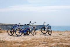 As bicicletas estão no monte, conceito do curso fotografia de stock