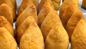 As bolas do arroz igualmente chamaram arancini di riso no langua italiano imagem de stock royalty free