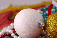 As bolas do Natal ajustaram-se, cartão do feriado do ano novo Imagens de Stock
