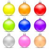 As bolas realísticas coloridas do Natal ajustaram-se isolado no fundo branco Brinquedo do Natal do feriado para a árvore de abeto ilustração do vetor