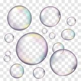As bolhas de sabão realísticas ajustaram-se isolado no fundo transparente ilustração royalty free