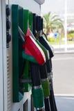 As bombas do posto de gasolina fecham-se acima imagens de stock
