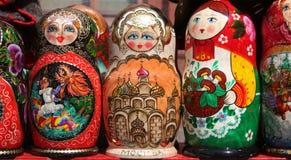 As bonecas de Matryoshka fecham-se acima Foto de Stock