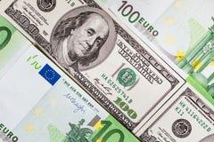 As cédulas do Euro fecham-se acima Várias centenas euro- cédulas Fotos de Stock Royalty Free