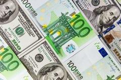 As cédulas do Euro fecham-se acima Várias centenas euro- cédulas Foto de Stock
