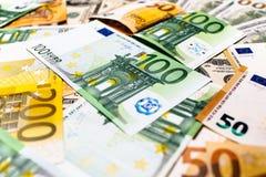 As cédulas do Euro fecham-se acima Várias centenas euro- cédulas Imagens de Stock