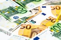 As cédulas do Euro fecham-se acima Várias centenas Fotografia de Stock