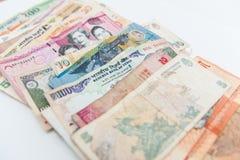As cédulas internacionais diferentes já usaram-se foto de stock