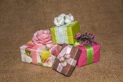 As caixas do feriado fizeram por suas próprias mãos imagens de stock