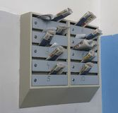 As caixas postais encerraram a correspondência foto de stock