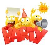 As caras amarelas do smiley agrupam caráteres do emoticon com o cartão do convite do partido fotos de stock