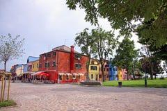 As casas coloridas na ilha de Burano, podem 08, 2010 em Burano, Veneza, Itália Fotografia de Stock Royalty Free