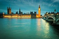 As casas do parlamento britânico em Londres Imagens de Stock