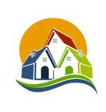 As casas expõem-se ao sol e o vetor de ondas ilustração royalty free