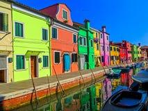 As casas pintadas coloridas de Burano - Burano, Itália Imagem de Stock Royalty Free