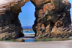 As catedrais encalham com as rochas erosioned pela ação do mar Imagem de Stock
