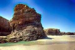 As catedrais encalham na maré baixa com as rochas erosioned pela ação do mar Foto de Stock Royalty Free