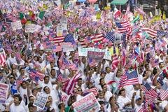 As centenas de milhares de imigrantes participam em março para os imigrantes e os mexicanos que protestam contra a reforma de imi Imagem de Stock Royalty Free