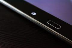 As chaves incorporadas dos botões da tabuleta do preto de Taskbar Android dirigem a mesa eletrônica Fotos de Stock Royalty Free