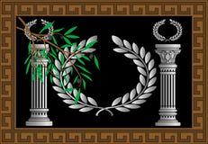 As colunas e a grinalda gregas Imagens de Stock
