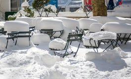 As consequências de um blizzard do inverno, Bryant Park, New York fotos de stock royalty free