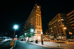 As construções em Du Pont circundam na noite, em Washington, C.C. Imagens de Stock Royalty Free