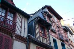 As construções francesas expuseram os feixes de madeira brittany foto de stock