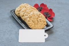 As cookies australianas Anzac com dia de Anzac assim que nós não esquecem Imagem de Stock