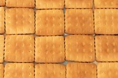 As cookies são saborosos e friáveis como uma toalha de mesa doce na tabela fotografia de stock royalty free