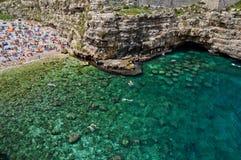 As cores da praia de Polignano fotografia de stock royalty free