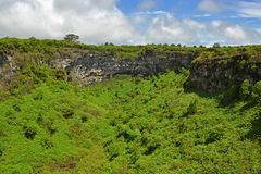 As crateras vulcânicas gêmeas, Santa Cruz Island, Galápagos imagens de stock