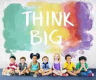 As crianças caçoam conceito alegre do grupo étnico da felicidade o multi imagens de stock
