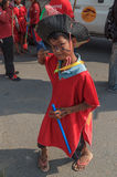 As crianças executam no carnaval do anuário de Sihanoukville Imagens de Stock Royalty Free