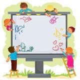 As crianças felizes tiram junto em um grande quadro de avisos Imagens de Stock