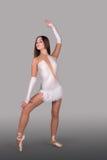 As danças da bailarina Fotografia de Stock