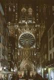 As decorações do Natal estão prontas em Strasbourg com Notre-Dame Ca Fotografia de Stock Royalty Free