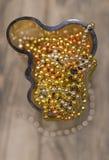 As decorações do Natal no vaso amarelo Fotos de Stock Royalty Free