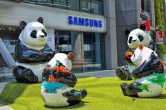 As decorações bonitas da panda no shopping de Westgate Imagem de Stock