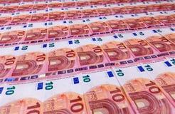 As dez euro- contas pequenas mergulham na perspectiva do baixo ângulo Imagem de Stock